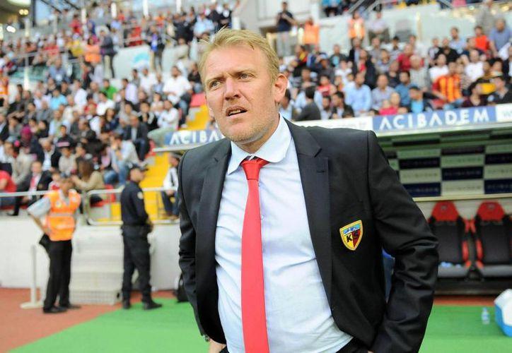 Robert Prosinecki se hará cargo de una selección de Azerbaiyán que ha perdidos sus cuatro partidos de eliminatoria rumbo a la Eurocopa. (zoomnews.es)