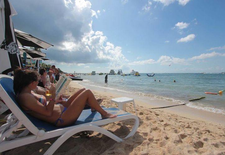 La mitad de la derrama económica por turismo captada en 2015 a nivel nacional se quedó en Q. Roo. (Gustavo Villegas/SIPSE)