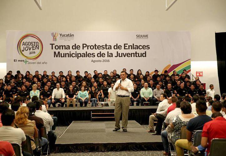 En el inicio del Mes de la Juventud, el Gobernador del Estado lanzó un llamado a las autoridades para trabajar a favor de este sector de la población. (Cortesía/ Gobierno del Estado)
