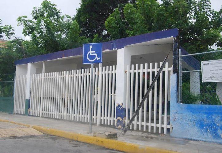 Siguen suspendidas las clases por tiempo indefinido en escuelas de Cancún. (Tomás Álvarez/SIPSE)