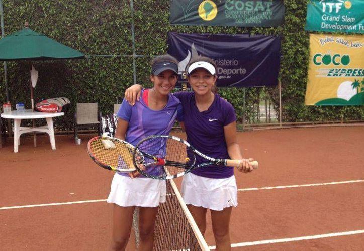 La tenista cancunense Itza Trabulse y la guatemalteca Karla Cordero logran el título de dobles en la Gira Sudamericana de Tenis. (Redacción/SIPSE)