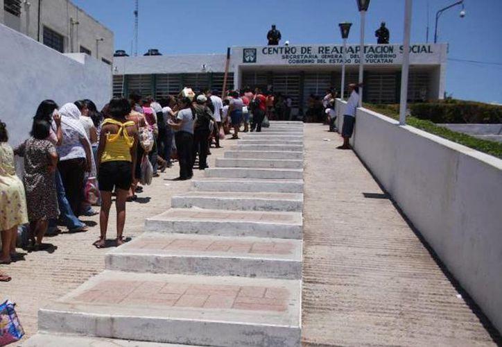 Implementarán filtros en días de visita en la cárcel de Mérida. (Archivo SIPSE)
