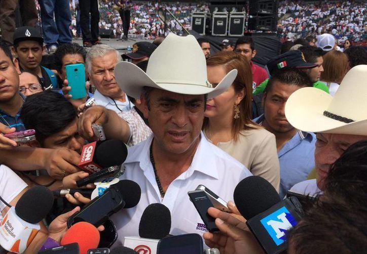 El gobernador electo de Nuevo León, Jaime Rodríguez Calderón 'El Bronco', dijo que la deuda del estado es de 66 mil millones de pesos. En la foto, durante un evento electoral en el parque de beisbol de Monterrey. (Notimex)