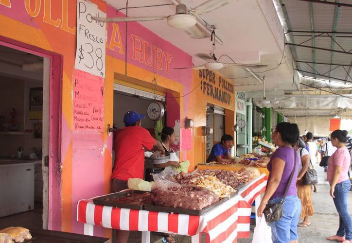 Se han emitido 68 exhortos a establecimientos que no exhiben los precios al público. (Paloma Wong/SIPSE)