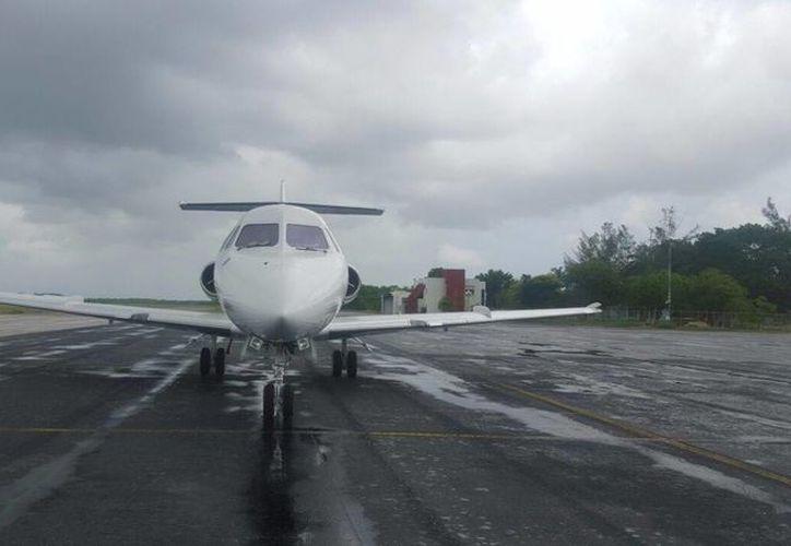 La aeronave abandonada en Chetumal fue comparada con una igual que se encuentra en Estado de México y se descubrió que fue clonada. (Cortesía)