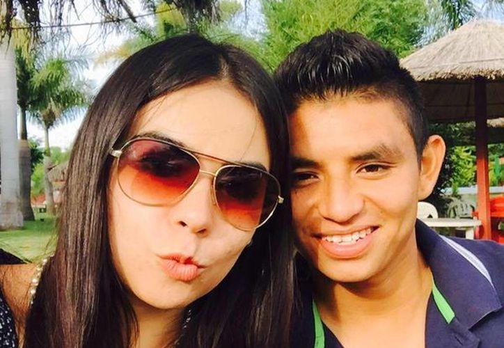 El yucateco Miguel Sansores junto a su esposa Eli Terán. (Milenio Novedades)