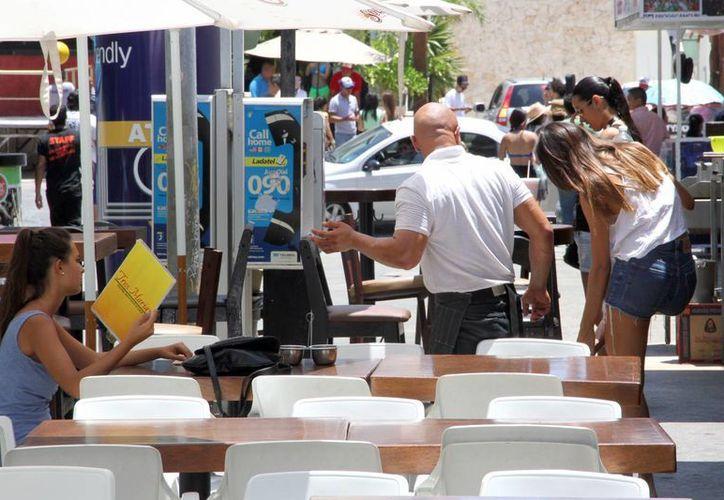 Las personas prefieren  visitar Cancún y la Riviera Maya. (Tomás Álvarez/SIPSE)