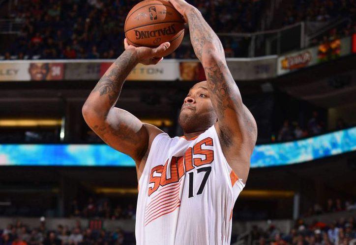 Jugadores del Suns de Phoenix, como P.J. Tucker, llegarán a México para enfrentarse a Spurs de San Antonio y los Mavericks de Dallas. (Archivo/Agencias)