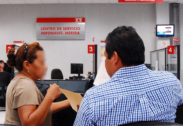 Derechohabientes el Infonavit que no han podido cumplir con los pagos de su crédito pueden negociar, en las mesas de mediación que año con año abre el instituto. Este viernes, hay una en Mérida. (SIPSE)