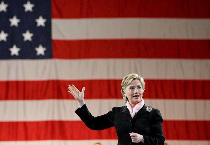 Se espera que Hillary Clinton oficialice su candidatura presidencial hasta el año 2015; mientras tanto, sus simpatizantes ya recaudan fondos. (EFE)