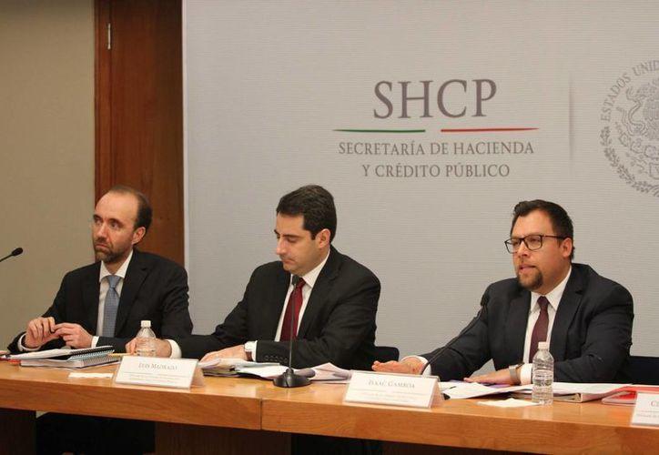 Durante el primer trimestre del año, la economía mexicana continuó con un desempeño positivo, a pesar del complejo entorno internacional, resaltó en conferencia de prensa, el Jefe de la Unidad de Planeación Económica de la Hacienda Pública de la SHCP, Luis Madrazo Lajous. (Notimex)