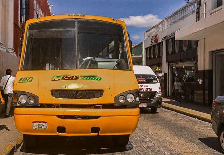 Los nuevos costos del pasaje aplicarán en rutas de empresas como Minis 2000. (Novedades Yucatán)