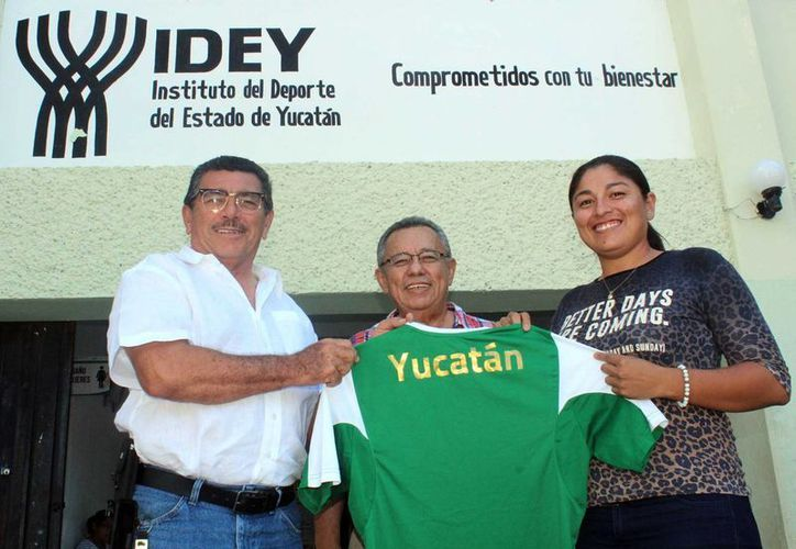 La nueva entrenadora de la selección femenil indígena yucateca de futbol, Marlín Paola Castro, dice que pretende que esta compita en la Liga del Instituto Patria  y que se foguee en partidos contra equipos de varios estados del país. (SIPSE)