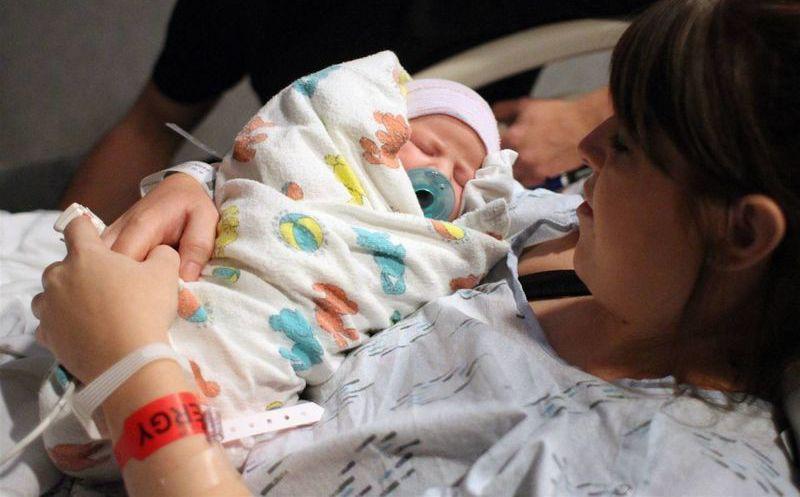 Texas niega certificados de nacimiento a bebés de padres hispanos ...
