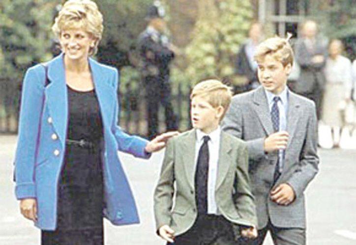 El documental trata sobre la muerte de la princesa y lo que vivieron sus hijos. (Excelsior)