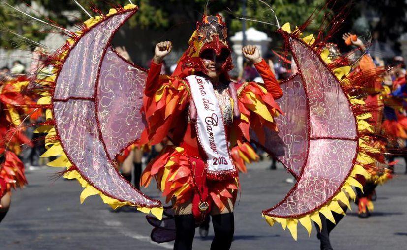 El Carnaval permanecerá en Paseo de Montejo, en tanto el Gobierno no decida si le presta al Ayuntamiento las instalaciones de la Feria Yucatán. (Milenio Novedades)