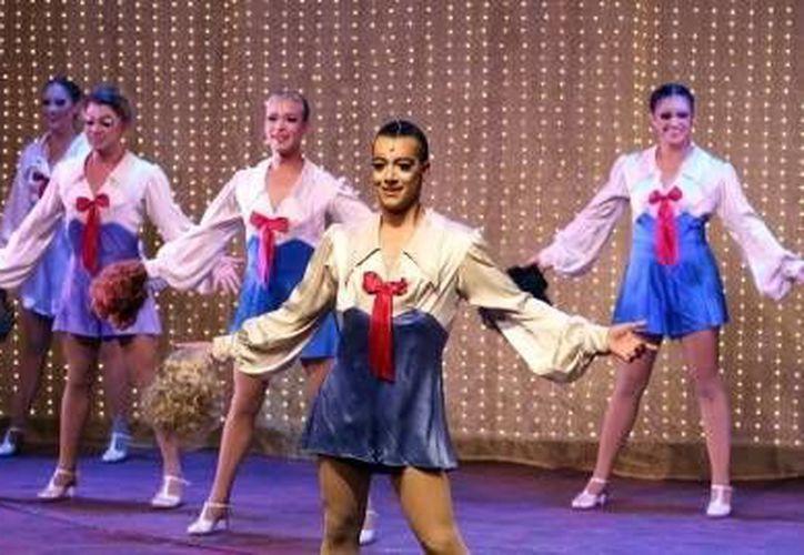 'La jaula de las locas' fue premiada como Mejor musical del año. En la foto, parte del elenco de la obra.(Notimex)