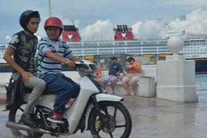Rebosan aguas negras en malecón de Cozumel