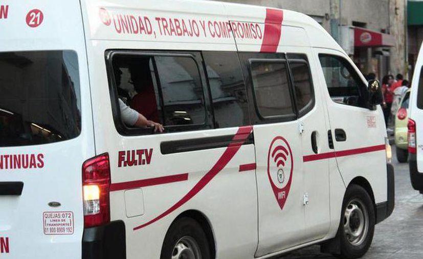 Las personas se verán obligadas a viajar en combis o rutas foráneas que están a cargo del FUTV. (Novedades Yucatán)