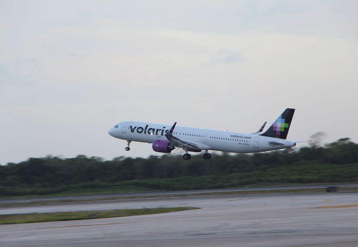 Las líneas aéreas conservan su presencia en el Caribe mexicano. (Paola Chiomante/SIPSE)