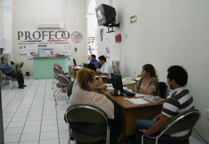 La Profeco Yucatán instaló módulos de atención directa en algunas empresas que, por el tipo de servicios que prestan, ocupan un número importante de reportes. (Contexto/ Milenio Novedades)
