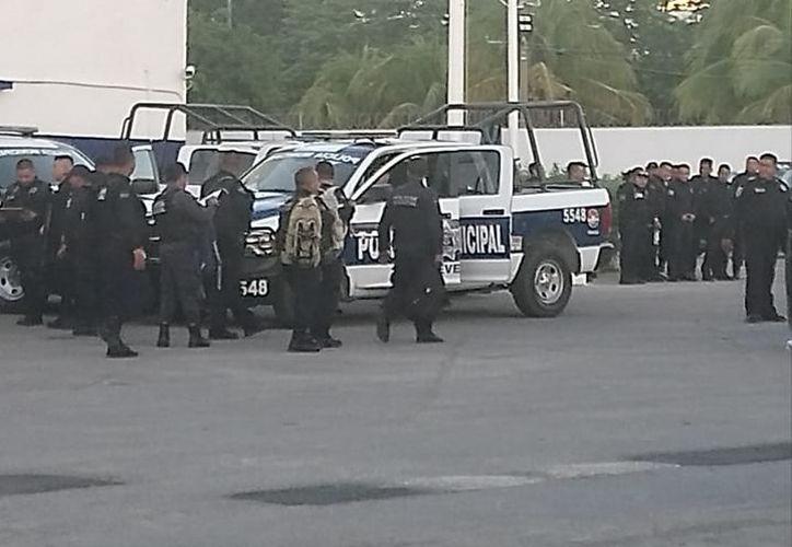 Los policías fueron detenidos por el paro en la Secretaría de Seguridad Pública municipal. (Redacción/SIPSE)