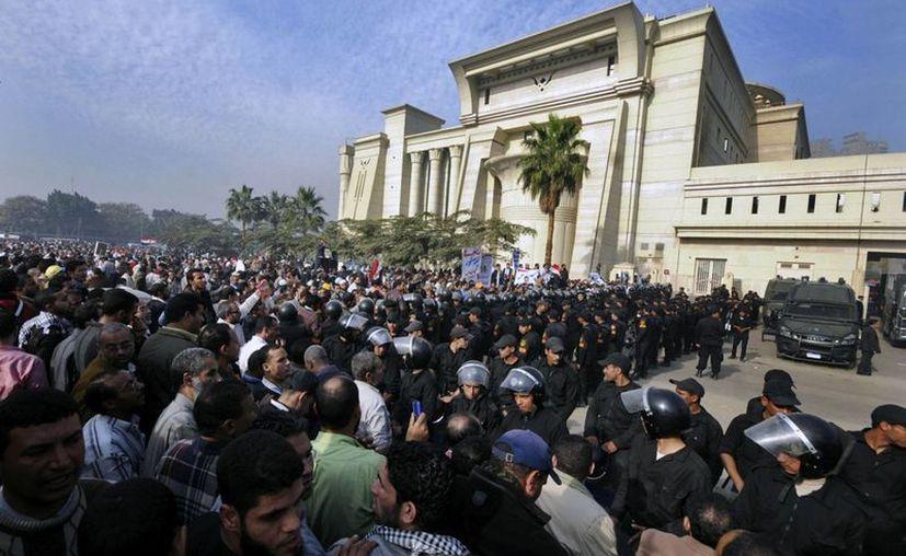 El fallo prolongaría la tensa transición política que vive Egipto. (Agencias)