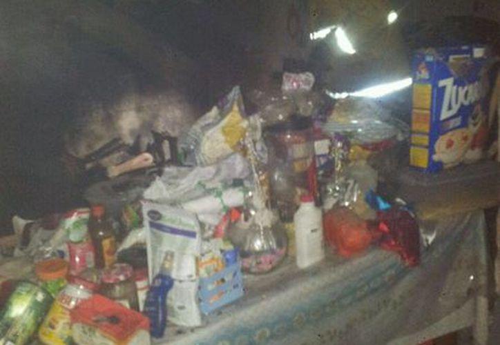 Elementos de Bomberos acudieron al domicilio para sofocar el incendio. (Redacción/SIPSE)