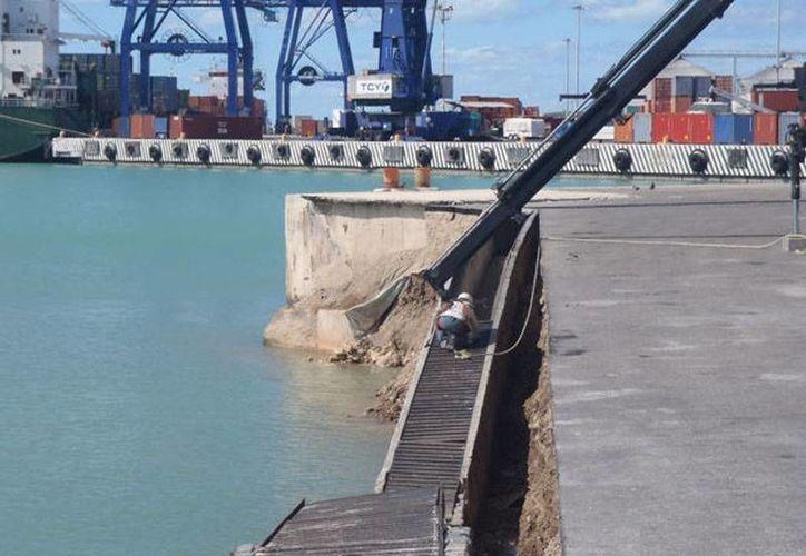 La administración portuaria no informó las causas del derrumbe en la terminal remota del muelle de Progreso. (Manuel Pool/SIPSE)