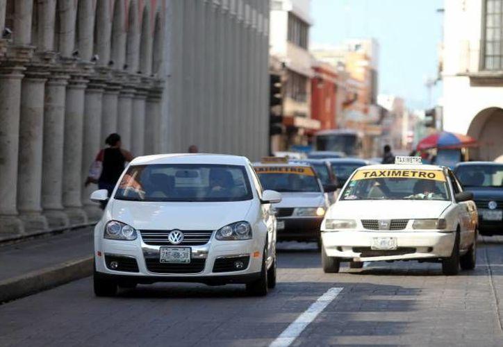 Este martes el Gobierno de Yucatán renovó 868 concesiones del sistema de transporte público de taxis. (Milenio Novedades)