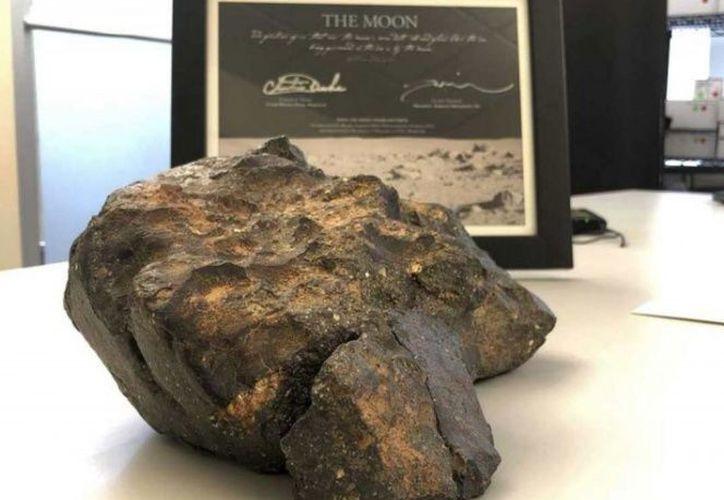 El meteorito lunar tiene un peso de 5.5 kilogramos. (excelsior.com)