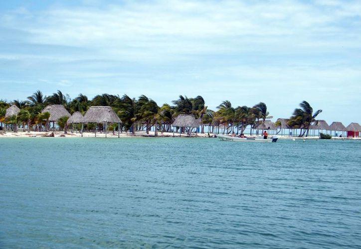Playas de la Riviera Maya se verán repletas por los meridanos que compraron con tiempo sus paquetes. (Milenio Novedades)