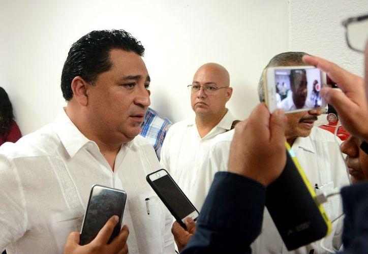 Queremos que Quintana Roo deje de ser botín político, subrayó el diputado presidente de la Gran Comisión, Eduardo Martínez Arcila. (Foto: Redacción / SIPSE)