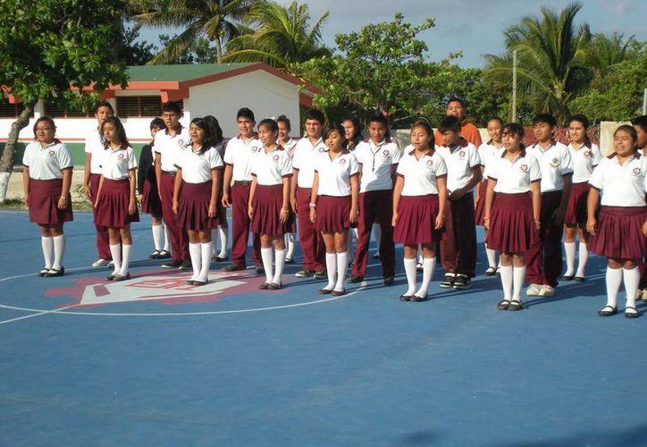 El objetivo del programa es fomentar los valores cívicos y el amor por la Patria. (Lanrry Parra/SIPSE)