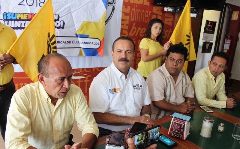 Julián Ricalde Magaña ofreció una conferencia de prensa ayer en Solidaridad. (Adrián Barreto/SIPSE)