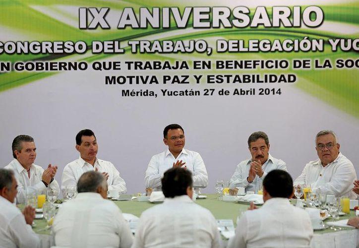 El gobernador de Yucatán, Rolando Zapata Bello, encabezó el domingo el aniversario del Congreso del Trabajo. (SIPSE)