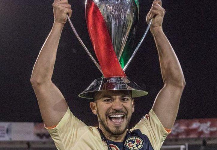 El yucateco Henry Martín, campeón de goleo y del torneo de la Copa MX, al igual que sus compañeros azulcremas se quedará con las ganas de disputar la Super Copa MX (Foto: @HenryMartinM)