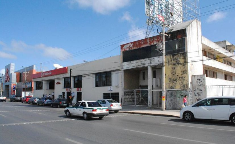 El banco se localiza sobre la avenida José López Portillo. (Eric Galindo/SIPSE)