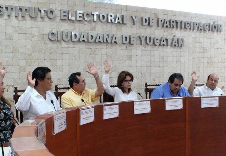 Los candidatos del PRI presentarán su reporte económico, se trata del estado que guardan sus finanzas. (SIPSE)