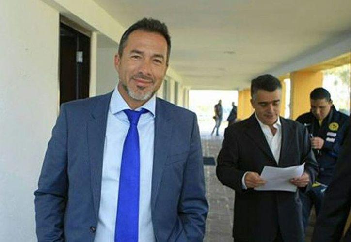 Gustavo Matosas fue presentado como nuevo director técnico del América. La imagen, tomada de la cuenta oficial de Facebook del Club América, corresponde a la llegada del nuevo técnico al nido de Coapa.