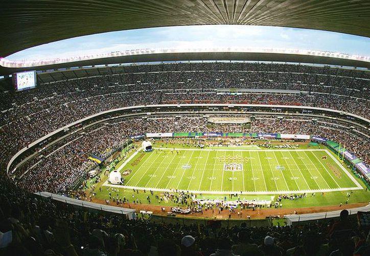 La próxima semana irán los inspectores de la NFL a revisar la cancha del Estadio Azteca. (Foto: si.com)