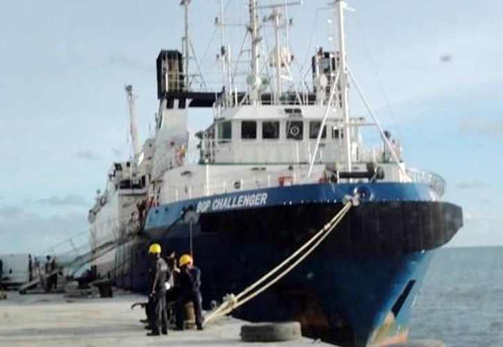 El buque BGP Challenger, de la trasnacional BGP Inc., es propiedad de la China National Petroleum Corporation (CNPC, por sus siglas en inglés). Realiza  estudios frente a costas de Yucatán a diferentes distancias.  (Milenio Novedades)