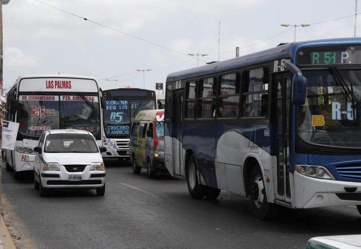 Más de 450 mil personas utilizan el transporte público. (Tomás Álvarez/SIPSE)
