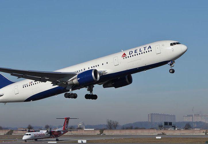 Delta Air Lines ofrecerá hasta 10 mil dólares a los pasajeros que estén dispuestos a ceder su asiento. (Foto: Contexto/Internet)