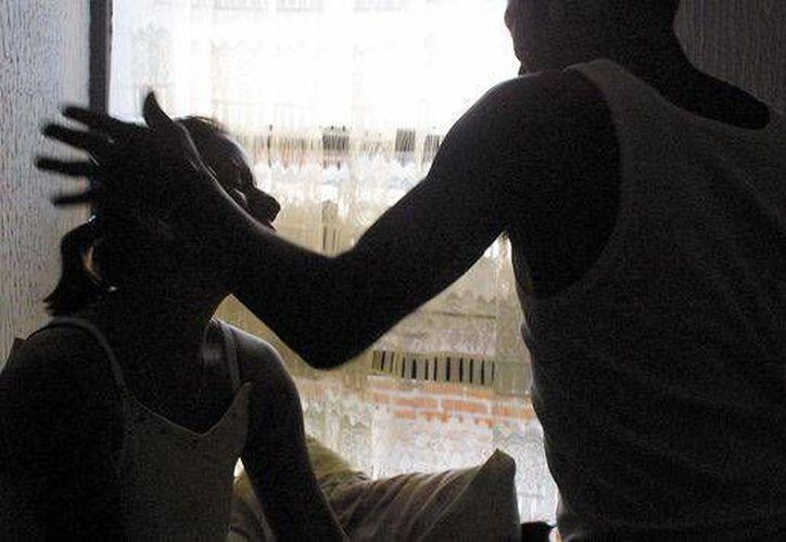 Una mujer que hirió de muerte a su pareja, en defensa propia, quedó en libertad, en Q. Roo. (www.horacero.com.mx)