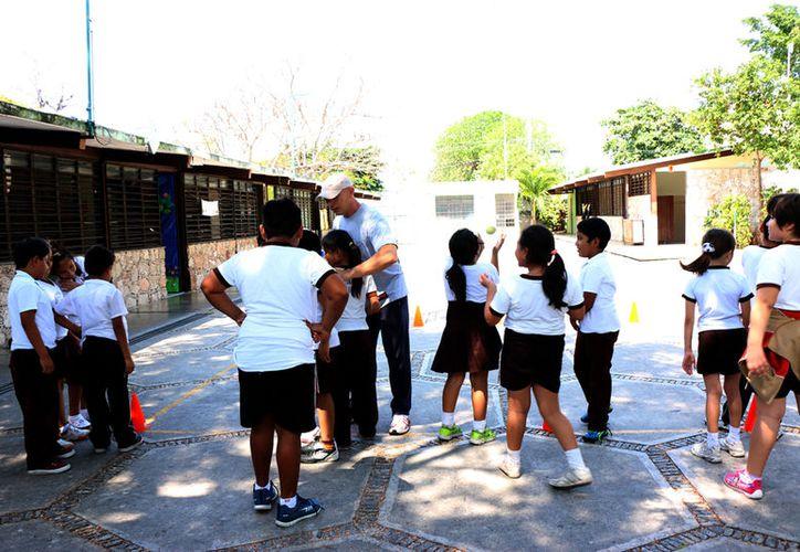 198 escuelas de educación básica son acreedoras del apoyo. (Milenio Novedades)