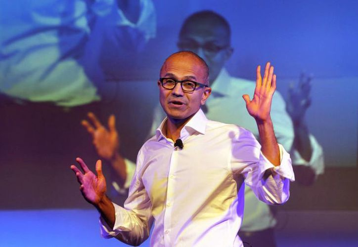 El director ejecutivo de Microsoft, Satya Nadella, habla a estudiantes indios en Nueva Delhi. La empresa anunció el nuevo sistema operativo llamado Windows 10. (Agencias)