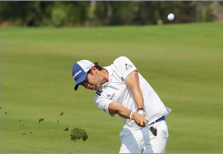 Manuel Villegas se mantiene en el primer lugar en el torneo. (Christian Ayala/SIPSE)