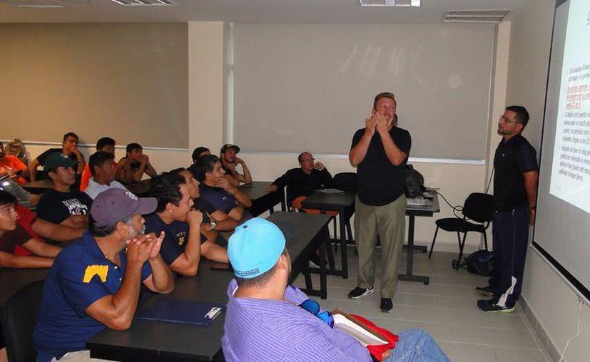 El objetivo principal del curso es cuidar la integridad física de los jugadores. (Raúl Caballero/SIPSE)