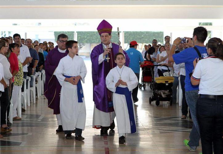 Mons. Gustavo Rodríguez Vega realizó el anuncio de la reconciliación con el Instituto Patria por medio de un comunicado. (César González/SIPSE)